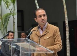 """Alcalde Fernando Yunes Márquez, presenta """"Gengish"""" el águila que cuidara el palacio municipal de las palomas"""