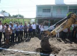 Alcalde Fernando Yunes Márquez da inicio a obra de casi 5 MDP en la colonia  Reserva 2