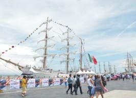 ¿Sabías que el comandante del buque Escuela Cuauhtémoc, el capitán de navío Rafael A. Lagunes Arteaga es orgullosamente jarocho? Conoce su historia.