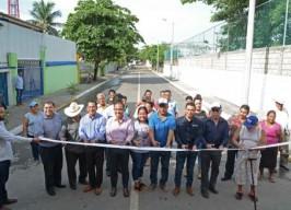 Alcalde Fernando Yunes Márquez inaugura obra en la colonia Valente Díaz