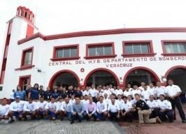 Conmemora el alcalde Fernando Yunes, el 145 aniversario del Cuerpo de Bomberos