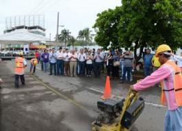 Asiste alcalde Fernando Yunes al inicio de la obra del colector Cuauhtémoc