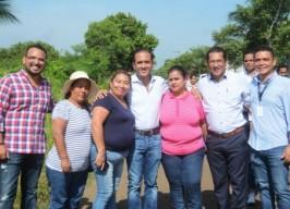 Supervisa alcalde Fernando Yunes construcción de cuartos adicionales en  Amapolas 2