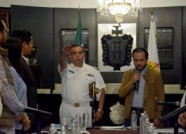 Alcalde Fernando Yunes Márquez otorga nombramiento al nuevo Comandante  de la Policía Municipal